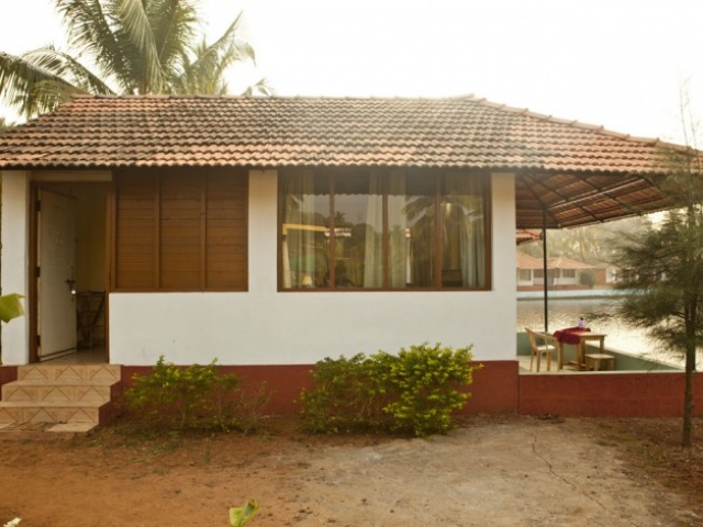 Mahi Yoga Accommodation in Goa, Arambol beach